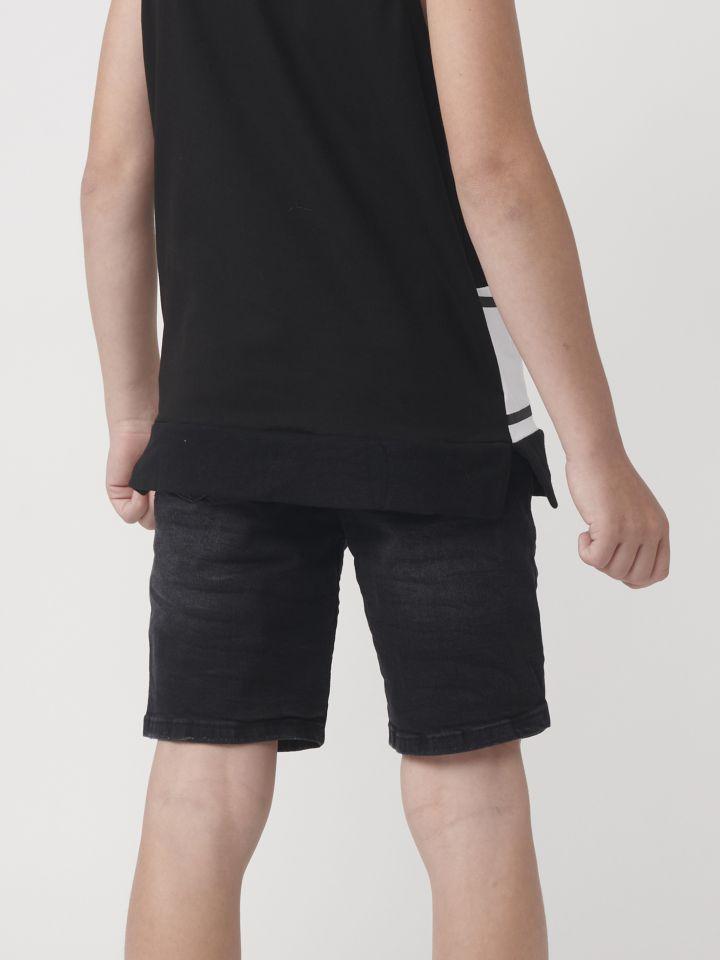 ברמודה ג`ינס עם דפוסי גרפיטי