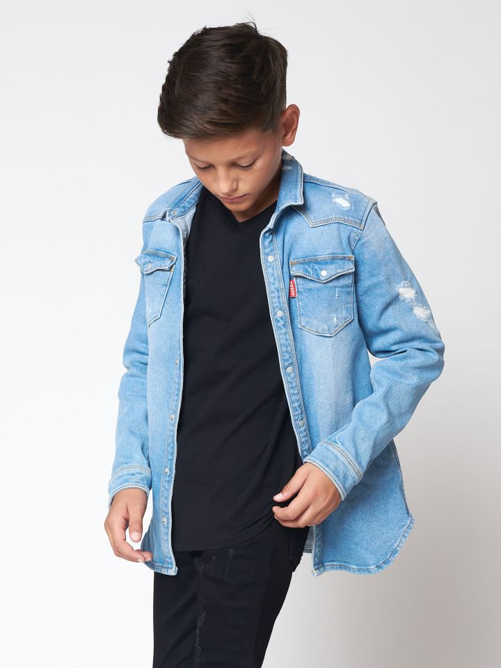 מכופתרת ג'ינס