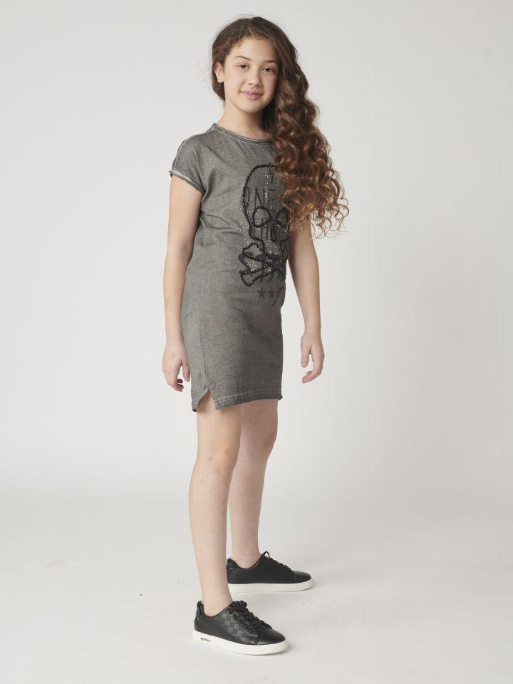 שמלה עם שרוולים קצרים