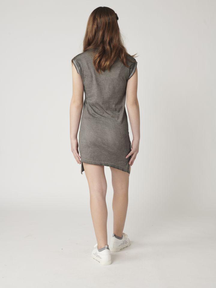שמלה עם צווארון עגול בשילוב הדפס