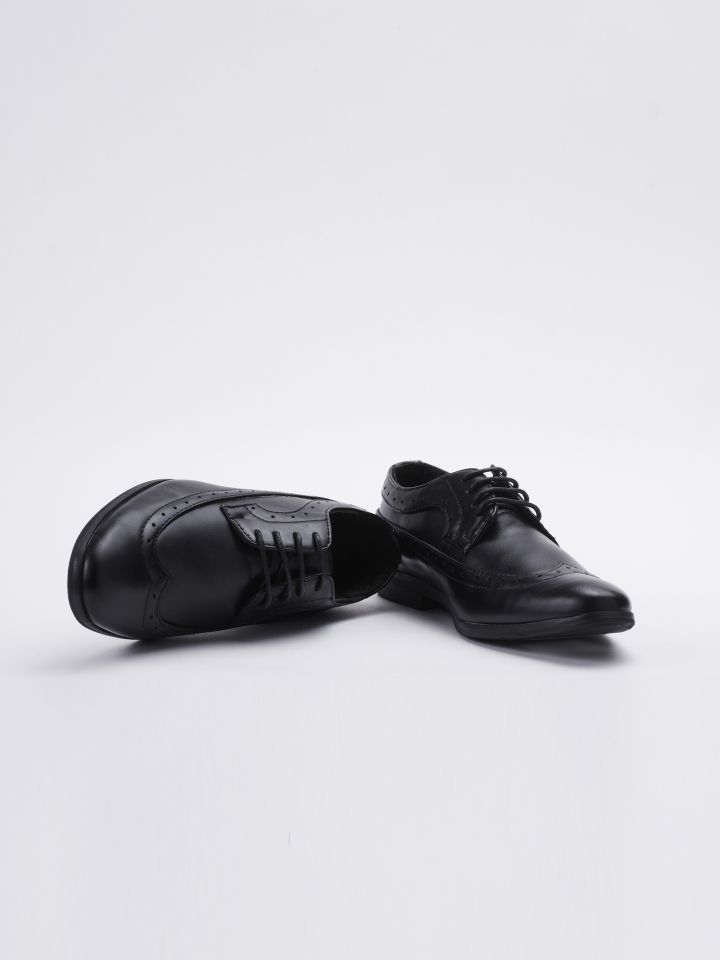 נעלי ערב בשילוב חיתוכים