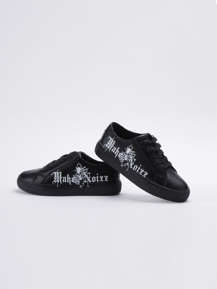 נעלי אופנה בשילוב כיתוב