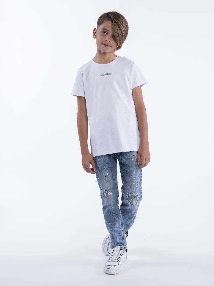 ג'ינס בשילוב פאץ בברכיים