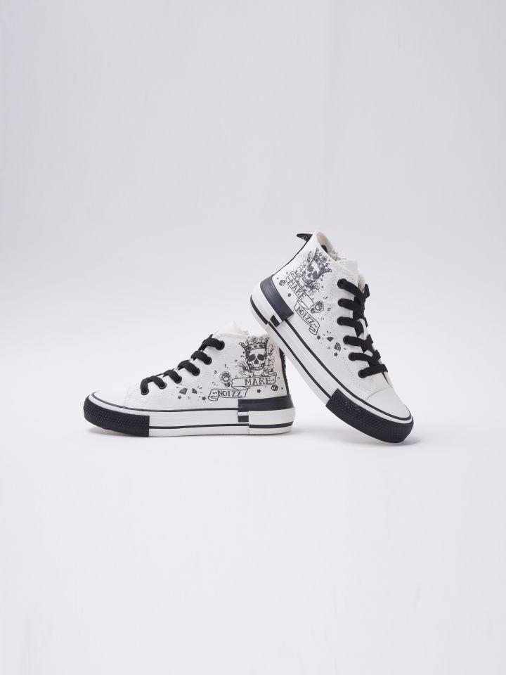 נעלי סניקרס גבוהות מאוירות